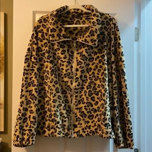 Leopard Print zip up jacket. 🌟SUPER SOFT🌟
